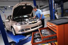 Discount Mobile #Mechanic focuses on delivering a good quality and prompt car #servicing in Sydney at a competitive fixed rate. Our workforce of technicians is fully trained and licensed with extensive knowledge and experience that allows us to send the right #mechanic to tailor you the best. Contact us now and ask for a free price quote.
