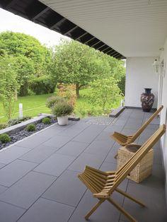 Terrassenplatten mit Teflon® Imprägnierung RSF 1 von Rinn Betonsteine und Natursteine