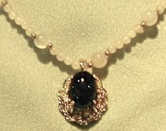 """Pendant, Unique """"Blood"""" Stone in Yellow Gold"""