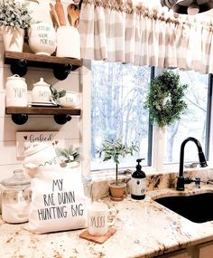 8 Tips for Home Kitchen Remodel - Ideas For Room Design Modern Kitchen Cabinets, Farmhouse Kitchen Decor, Decorating Kitchen, Kitchen Ideas, Interior Design Living Room, Cool Kitchens, Sweet Home, Totes, Tote Bag