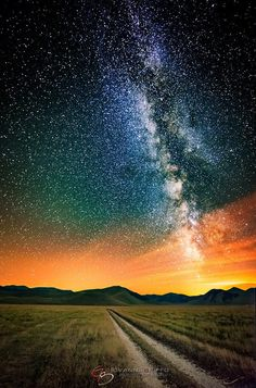 ~~Insomnia Milky Way starry night sky by Giovanna Griffo~~ Beautiful Sky, Beautiful World, Beautiful Places, Beautiful Pictures, Starry Night Sky, Night Skies, Sky Night, Landscape Photography, Nature Photography