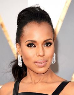 Kerry Washington's ultra defined liner and bold lashes makes for a super elegant beauty look