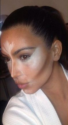 Pictures - Kim K shows off Scott Barnes' contouring tips - National Hair & Nails | Examiner.com