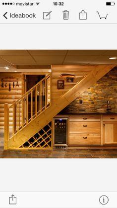Kitchen wet bar microwave sink mini fridge wine rack for Mini bar debajo de escaleras