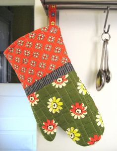 Love this free hostess hot mitt project from #DSQuilts! #sew