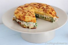 Tortilla stuffed with tuna salad - recetas - Tortillas, Egg Recipes, Salad Recipes, Crepe Cake, Tuna Salad, Vegetable Salad, Crepes, Salmon Burgers, Quiche