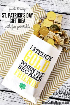 Quick and Easy St Patrick's Day Gift Idea with Free Printable Featured on the #OMHGWW 3/7