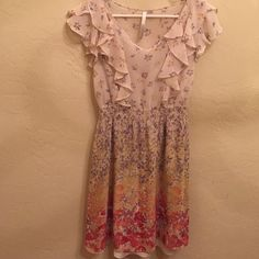Lauren Conrad dress Beautiful pre-owned Lauren Conrad dress in a size 4.  Has a nude slip under that removable.  No holes, tears or stains.  I'm 5'2 and weigh about 115 lbs.  The dress comes to right above my knee.  Very light weight and great for work or for the weekend. Lauren Conrad Dresses Midi