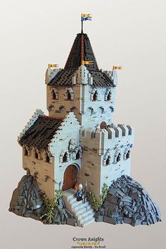 Who would have thought that you could build something like this from Lego bricks? I certainly not, because I think in Lego first smooth geometric shapes. Daniel Hensel, aka Legonardo Davidy, of Wellington, builds this incredible medieval looking Bauw Lego Modular, Lego Design, Chateau Lego, Lego Burg, Minecraft Welten, Lego Knights, All Lego, Lego Lego, Lego Moc