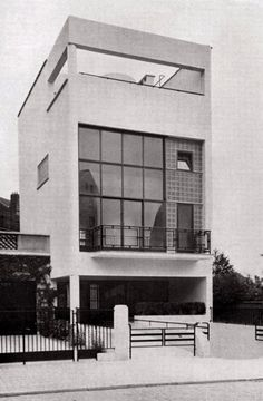 Paul-Amaury Michel, The glass house in Uccle, inspired directly by two houses in Paris_a house designed by Le Corbusier and the glass house of Pierre Chareau, 1935_Archives d'Architecture Moderne, Brussels