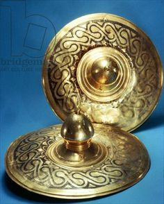 Lids (gold inlaid with silver) Thracian culture