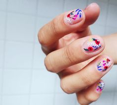 beautiful flower nail art | manicure    Los Angeles Manicure Trend Negative Space Nail Art