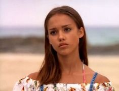 Untitled — Young Jessica Alba was so hot in that Flipper. Jessica Alba Style, Young Jessica Alba, Pretty People, Beautiful People, 90s Fashion Grunge, 90s Grunge, 90s Hairstyles, Grunge Hairstyles, 90s Models