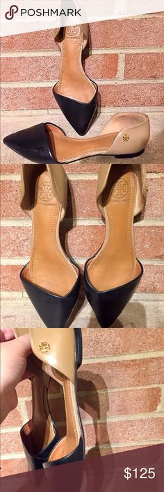 Tory Burch Maison D'Orsay Pointed Flats 5.5 $295 Tory Burch Maison D'Orsay Black / Nude Leather Pointed Flats Wmn 5.5 B. Fits like 6   Gently worn  Non smoking home Tory Burch Shoes Flats & Loafers