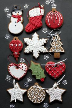 These Christmas cookies are amazing! For all your Christmas cake decorating supplies, please visit w. Christmas Biscuits, Christmas Tree Cookies, Iced Cookies, Christmas Sweets, Christmas Cooking, Noel Christmas, Christmas Goodies, Holiday Cookies, Christmas Decorations