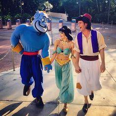 Moi quand j'y suis allée y avais pas Jasmine . Disney Parks, Walt Disney World, Disney Pixar, Jasmine Halloween Costume, Jasmine Costume, Disneyland Paris, Aladdin And Jasmine, Princess Jasmine, Manga Anime