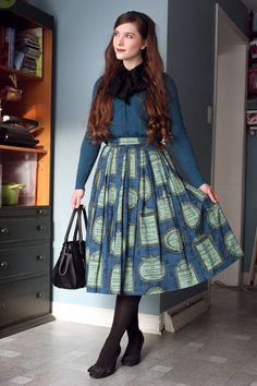 I went to see Kent Nagano and Maria Joao Pires at the Orchestre symphonique de Montréal. I wore my Jane Marple Concerto Carte skirt for the occasion. Skirt: Jane MarpleCashmere cardigan: Lord & TaylorBag: Dolly Girl by Anna SuiShoes: ExpressionTights: HueSilk scarf: Vintage