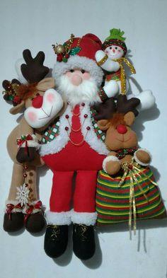 Ideas y diseños de Papa Noel para decorar en Navidad Felt Christmas Decorations, Christmas Fabric, Christmas Diy, Vintage … Christmas Clay, Christmas Gingerbread, Christmas Crafts, Merry Christmas, Christmas Decorations, Xmas, Christmas Ornaments, Holiday Decor, Christmas Fabric