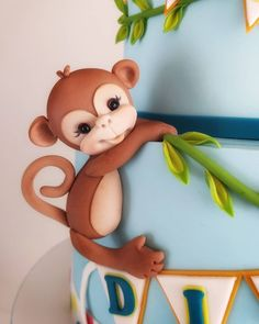 Designing that cake, had no idea how much in love i would fall…. Jungle Birthday Cakes, Jungle Theme Cakes, Baby Boy Birthday Cake, Safari Cakes, Monkey Birthday, Disney Cake Toppers, Fondant Toppers, Fondant Animals Tutorial, Fondant Figures Tutorial