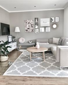 42 brilliant solution small apartment living room decor ideas and remodel 22 Living Room Decor Apartment, Small Living Room Design, Small Apartment Living, Living Room Carpet, Home Decor, Small Apartment Living Room, House Interior, Living Room Grey, Interior Design Living Room