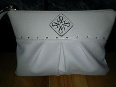 NWOT Authentic Simply Vera Wang Wristlet. Starting at $12 on Tophatter.com!