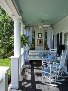 65 Ideas For Large Backyard Patio Front Porches Building A Porch, Building Homes, House With Porch, House Roof, Exterior House Colors, Wall Exterior, Exterior Trim, Outdoor Living, Outdoor Decor