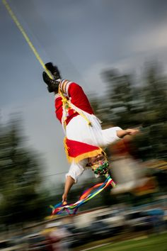 Voladores de papantla!! Enjoyed seeing them many times when I lived in Veracruz.