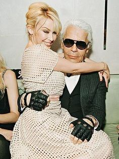 Kylie Minogue and Karl Lagerfeld Celebrity Beauty, Kylie Minogue, Straw Bag, Sexy Women, Singer, Celebrities, Lady, My Style, Womens Fashion