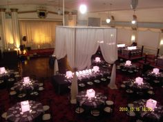 love the draping over the head table