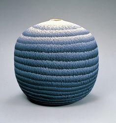 松井康成 《練上嘯裂文大壺》 1979年 茨城県陶芸美術館所蔵