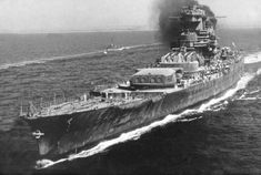 Incomplete French battleship Jean Bart sailing from Casablanca to Cherbourg for repairs in 1945 Uss Massachusetts, Navy Coast Guard, Model Warships, Bbs, Belle France, Gun Turret, Us Navy Ships, Merchant Marine, Armada