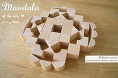 Mandala of the day 16.3.2015  with Gift 5B (Goldammer) by Mirjam Schradi   -> Know more about Spielgaben? The Original Spielgaben, Made in Germany: http://www.friedrich-froebel-online.de/shop/spielgaben/