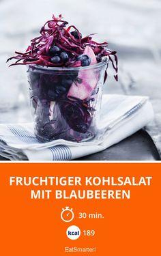 Fruchtiger Kohlsalat mit Blaubeeren    Kalorien: 189 Kcal - Zeit: 30 Min.   http://eatsmarter.de/rezepte/fruchtiger-kohlsalat-mit-blaubeeren