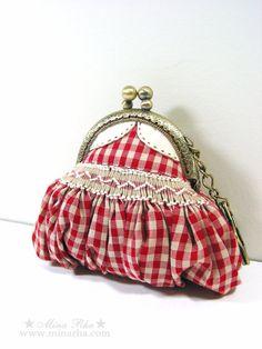 Coin Purse Mini Dress Frame purse Hand Smocking Key by MinaRha,