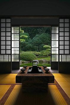 Superb Japanese room, Washitsu 和室 clean lines, simplicity and symmetrical balance The post How To Add Japanese Style To Your Home appeared first on Interior Designs . Japanese Living Room Decor, Japanese Bedroom, Japanese Home Decor, Japanese Style House, Japanese Interior Design, Sala Tatami, Washitsu, Tatami Room, Style Japonais