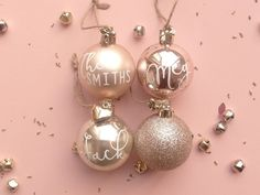 Pack of 4 Luxury 50mm Christmas Bauble Tree Decorations in Dusty Pink Gloss & Matt, Pearly White and Rose Gold Glitter. Each Bauble has a charm attached to the jute string hanger and Baubles can be personalised with names, apart from the Rose Gold Glitter Bauble which is non customisable and will be sent as shown in the photographs for this listing. Decorate your tree with these beautiful Baubles this christmas to add a personal touch to your tree or send to someone special for a thoughtful…