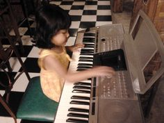 Lonna Is Playing Piano