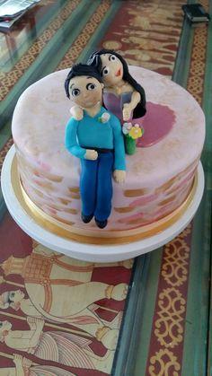 #selfiecouple #ribboncake #engagementcake