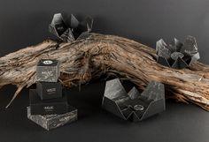 Welfe Melbourne é uma joalheira contemporânea, com um estilo abstrato e arquitetônico em suas jóias.Para combinar com as matérias primas naturais usadas em seu design, a marca aposta em novas embalagens.  Designed by Vibeke Illevold, Norway.