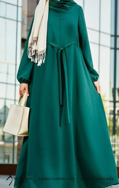 Dress long green 45 Ideas for 2019 İslami Erkek Modası 2020 Moslem Fashion, Arab Fashion, Islamic Fashion, Baby Dress Clothes, Dress Outfits, Estilo Abaya, Modest Fashion, Fashion Dresses, Mode Abaya