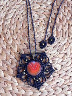Macrame mandala necklace with orange agate. Boho, hippie, gypsy, bohemian, natural by QuetzArt on Etsy