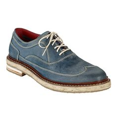 Cole Haan's Cooper Wingtip just feels like the perfect spring/summer shoe. Or just whenever you're wearing chinos. Looks so hard to get this one wrong.