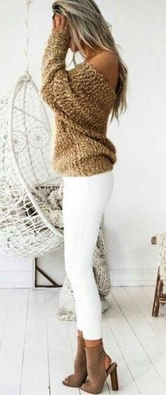 OMG, where can I get this sweater?!? ღ | Stunning and stylish outfit ideas from Zefinka.com for fashionable women.