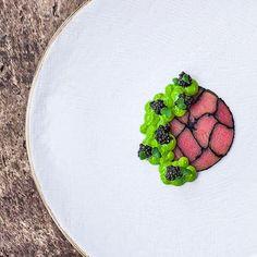 Tuna in ash , avocado 🥑, water cress , caviar....