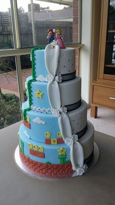 Mario and Peach Themed Wedding Cake - for every couple being still a child in the heart.