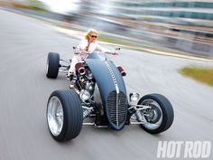 View this Brimstone Quadracycle Photo In this feature article HOT ROD takes a look at the Brimstone Quadracycle, an outlandish hot rod quad that is powered by a small-block Chevy engine - Hot Rod Magazine Custom Motorcycles, Custom Bikes, Custom Cars, Cars And Motorcycles, Trike Motorcycle, Quad Bike, Sportbikes, Go Kart, Cool Bikes