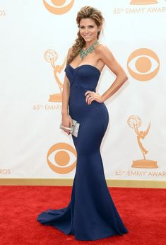 Maria Menounos: Rich Navy Blue Mermaid Gown