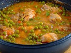 Mancarica de mazare cu carne de pui - Chicken with peas Crockpot Recipes, Soup Recipes, Chicken Recipes, Cooking Recipes, Hungarian Recipes, Romanian Recipes, Romanian Food, I Foods, Love Food