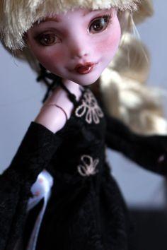 https://flic.kr/p/Ve4dwr | Rose - custom OOAK Monster High Doll repaint | www.etsy.com/uk/listing/534641265/rose-custom-ooak-monste...