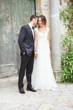 Lace flowing gown with capped sleeves http://weddingsparrow.co.uk/2014/07/24/elegant-italian-wedding-inspiration-part-two/  // The Singular Bride